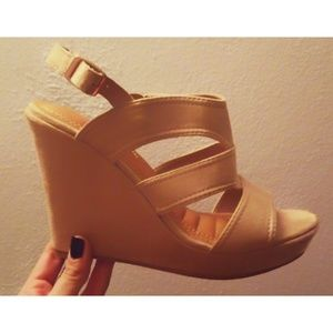 Nude Size 10 Wedges